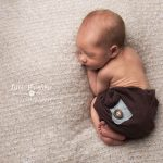 Newborn photography Sandbach tushi up baby pose