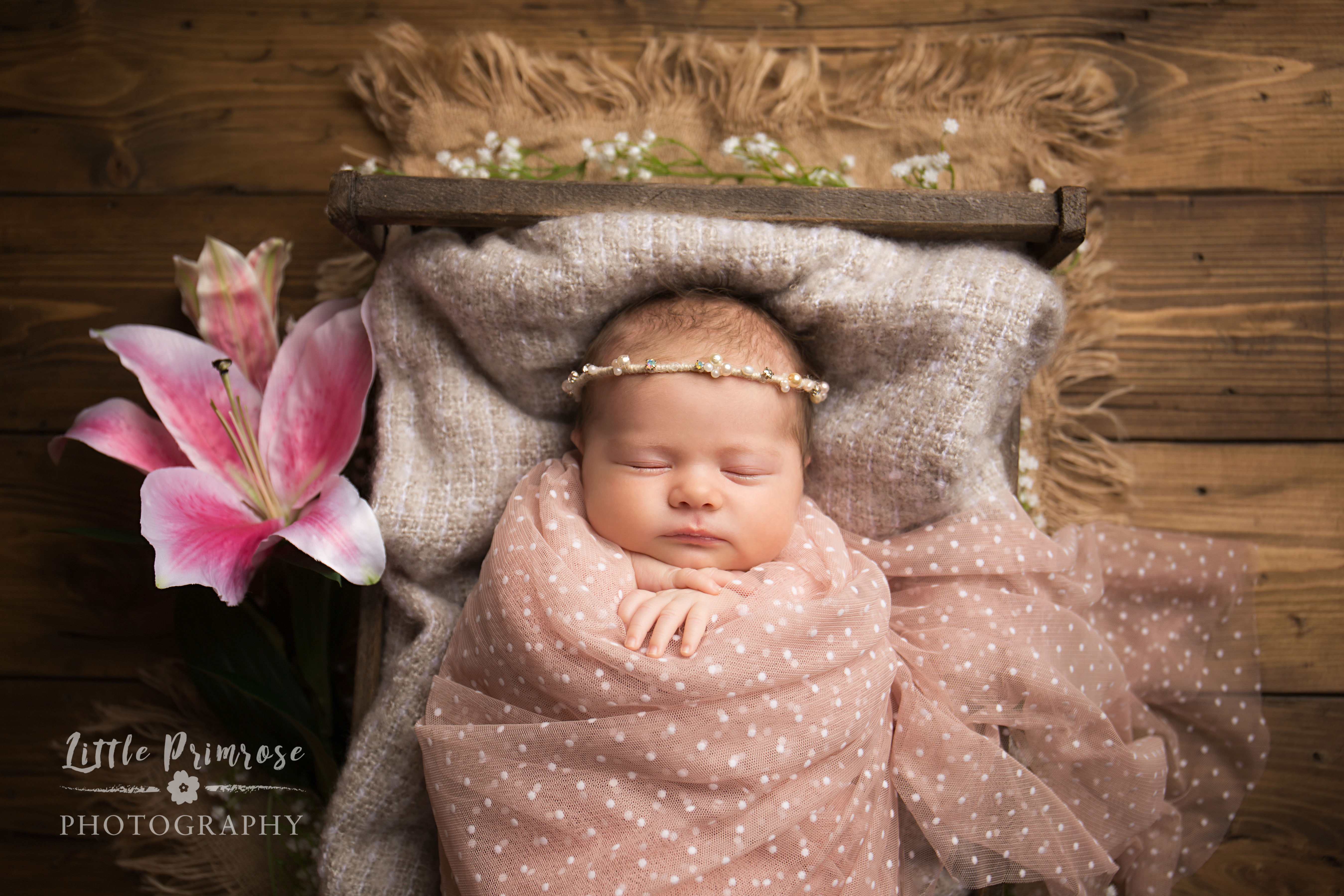 Cheshire newborn photographer – Tips to get your baby to sleep.