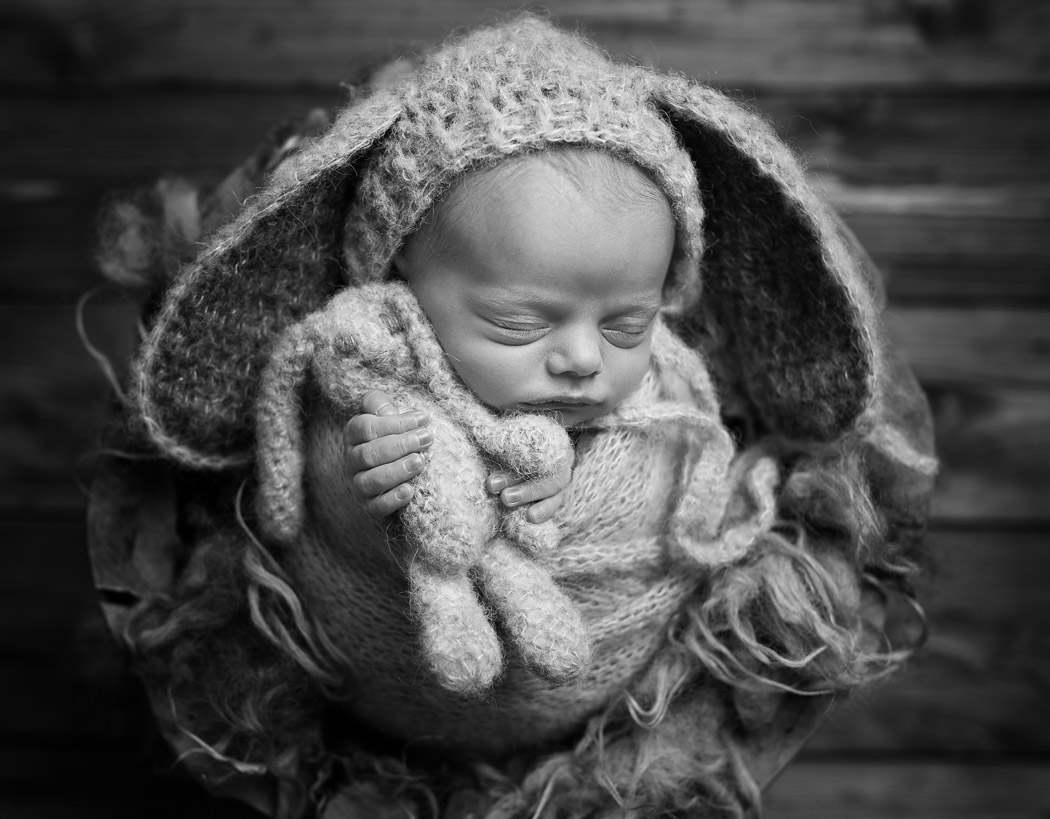 Newborn photography Cheshire – Baby Freddy – Sandbach