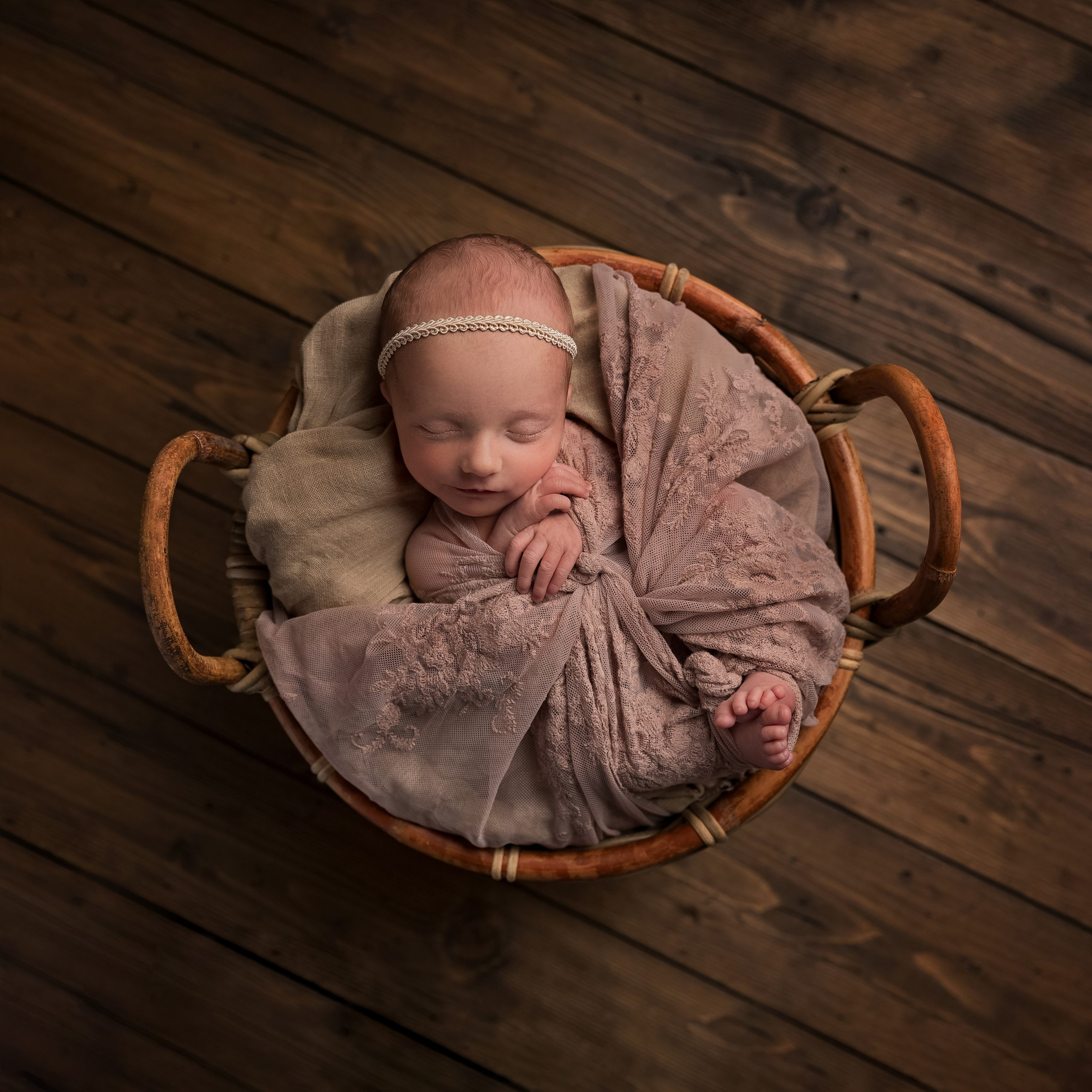 Neutral toned newborn photo shoot as part of my Master Craftsman in Newborn Photography panel by award winning photographer